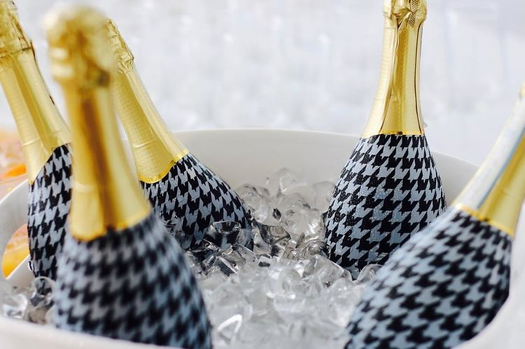 Uh Oh! Majorly Bad News For Prosecco Drinkers