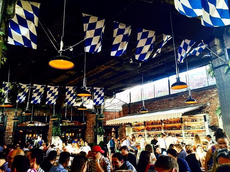 The Best Happy Hour Spots In The Meatpacking District