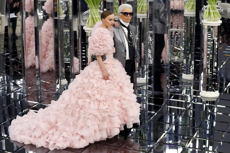 Chanel Haute Couture Shows Just How Powerful The Feminine Could Be