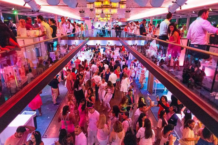 Inside The Floating Rosé Festival Taking Over The Nation