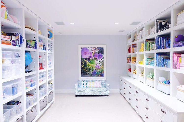 Gwyneth Paltrow's Hamptons Home: An Aggressively Organized, Sterile Rainbow
