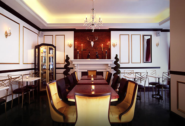 This New Restaurant Looks Like A Grand New Orleans Mansion