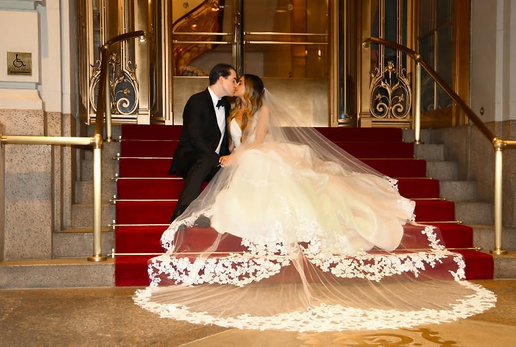 An NYC It Girl's Classic New York Wedding At The St. Regis