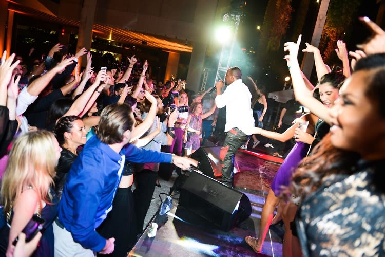Surface Magazine Kicks Off Art Basel Miami With A VIP Dinner & Wyclef Jean Performance