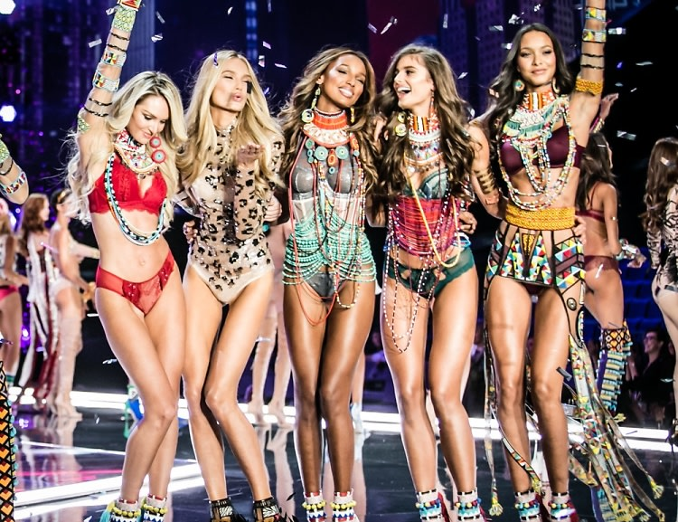 46a60a31aa6 Your First Look At The 2017 Victoria's Secret Fashion Show In Shanghai