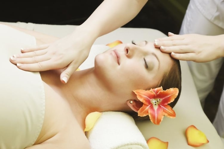 WTF Is Reiki? 7 Things To Know About The Trendy Mystical Practice
