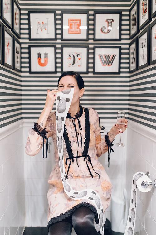 Dream Hostess Jill Kargman On Her Tips, Tricks & Hilarious Tales