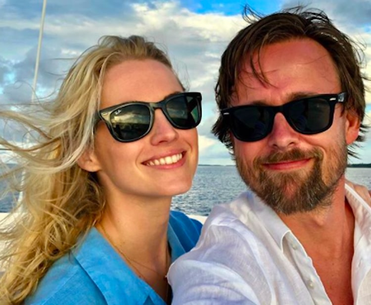 amanda hearst is engaged and her ring is amazing