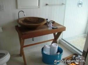 bathroom at surflodge