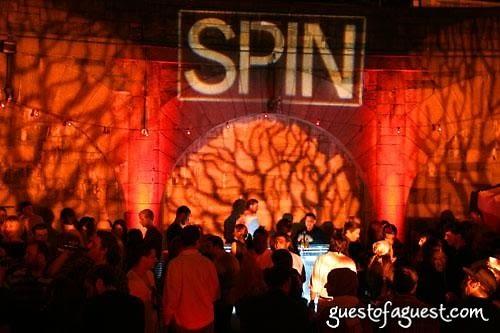 Spin, Amstel