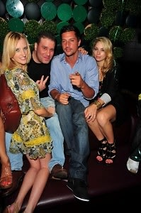 Heather Pink, Noel Ashman, Simon Rex