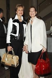 Cynthia Friedman, Ria Davis