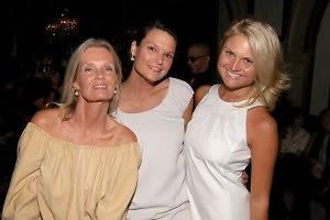 Betsy Berry, Hillary Gregga, Lizzy Bickford
