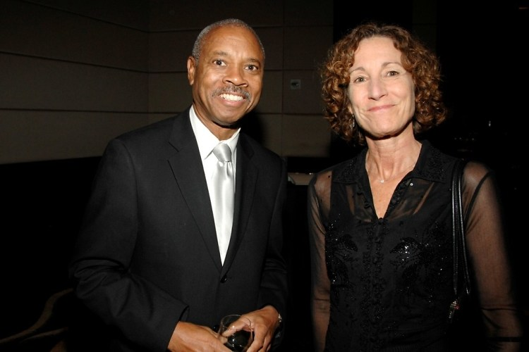 Robert Johnson, Cindy Mooney