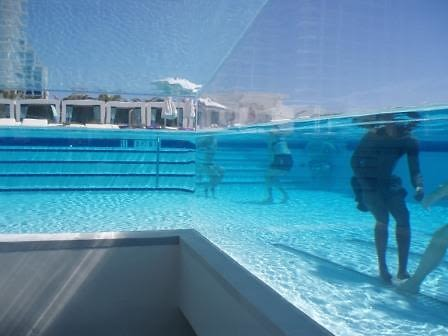 Japanese Pool Lets You Stand Underwater