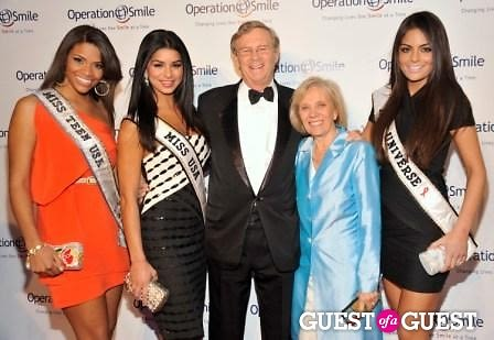 Miss Teen USA Kamie Crawford, Miss USA Rima Fakih, Co-Founder and CEO of Operation Smile, Dr. Bill Magee, Co-Founder and CEO of Operation Smile, Kathy Magee and Miss Universe Ximena Navarrete