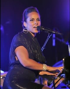 Surprise Performer Alicia Keys