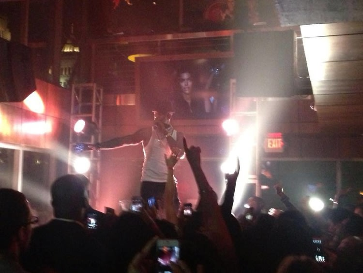 Last night 39 s parties ne yo live at the park at 14th star - Who was in my room last night live ...
