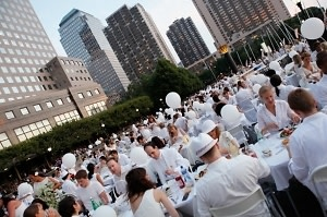 Diner En Blanc 2013: Parisian Feast
