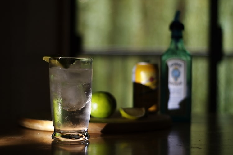 Stay Skinny With These 100 Calorie Cocktails For Your Next Night Out
