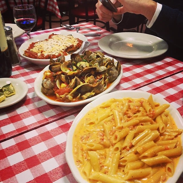 Group Dining Guide The Best Family Style Restaurants In Nyc
