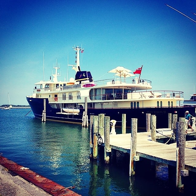 Hamptons Weekend Guide Where To Stay Play In Sag Harbor