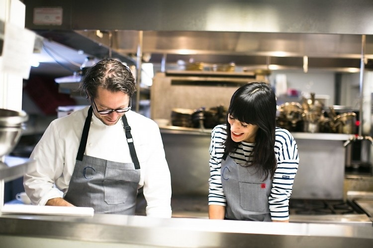 EyeSwoon: Cooking At Healthy Hot Spot Cafe Clover