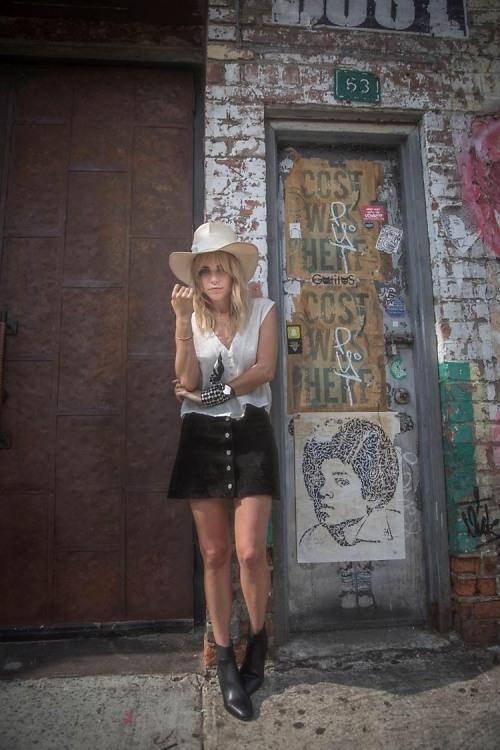 Interview: Always Judging's Courtney Trop Talks #OOTD Tips & Traveling With Hawaiian Tropic