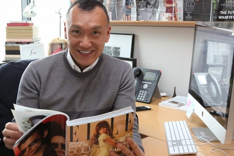 """Interview: Elle's Creative Director Joe Zee Dishes On Designing, Red Carpets & Being """"Comfy Chic"""""""