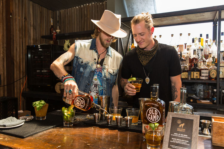 Hire A Photographer >> Florida Georgia Line Celebrates Old Camp Peach Pecan Whiskey In Los Angeles