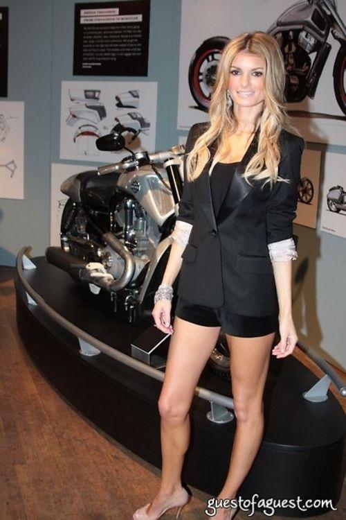 Marisa Miller Helps Present Harley Davidson S Quot Evolution