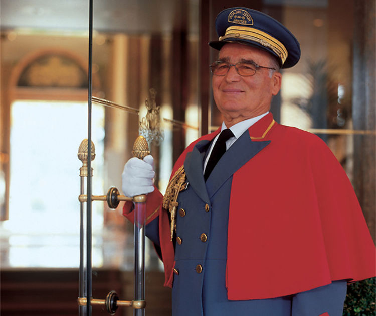 What To Tip Your Doorman And Other Important People In