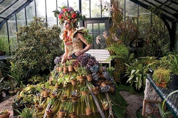 Fashion Meets Flowers At Brooklyn Botanic Gardens Spring Gala