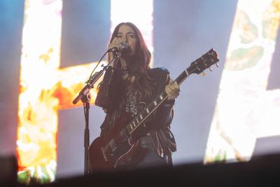 danielle haim in Shaun White's AIR + STYLE Los Angeles Festival