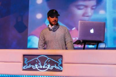 scott vener in Friends N' Family 19 Grammy Party