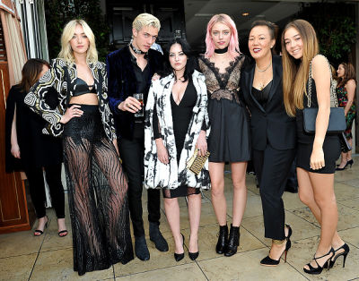 Daisy Clementine Smith, Lucky Blue Smith, Starlie Smith, Pyper America Smith, Jeanne Yang