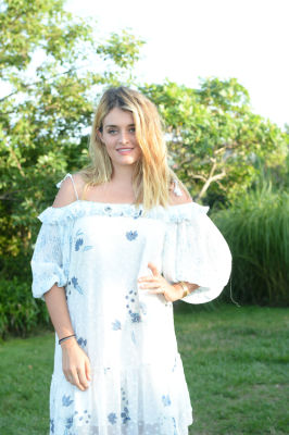 daphne oz in Guest Of A Guest & Oliver Peoples Host A Paella Party In Montauk