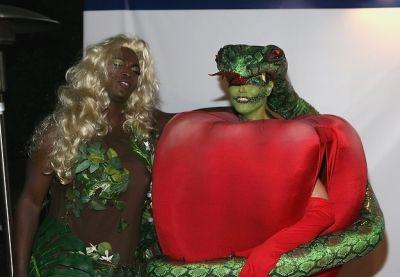seal in 15 Years Of Heidi Klum's Epic Halloween Costumes