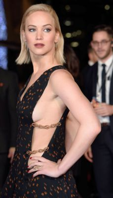 jennifer lawrence in 57 #NoBra Moments From Our Favorite Celebrities
