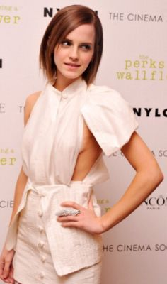 emma watson in 57 #NoBra Moments From Our Favorite Celebrities