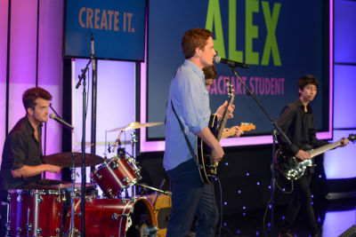 revel makes in CoachArt Gala of Champions 2016