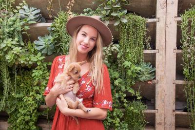 Mowgli Rescue & Rahicali's Furry Friendsgiving at The Butcher's Daughter