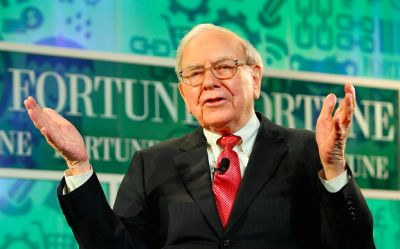 warren buffett in 11 Millionaire Dads Who Won't Be Leaving Fortunes To Their Kids