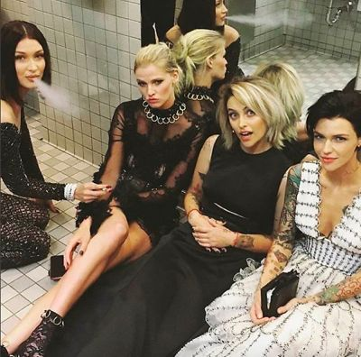 paris jackson in Bella Hadid & Paris Jackson Caught Smoking In The Met Bathroom