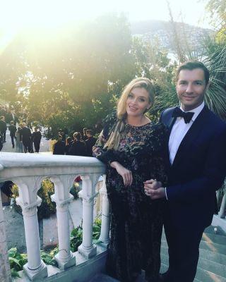 daphne oz in Science & Socialites: Inside CNN Reporter Rachel Crane's French Riviera Wedding