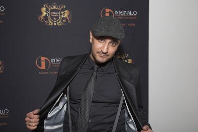 johnny markham in Affluent Attaché Club Grand Luxury Seduction 2017