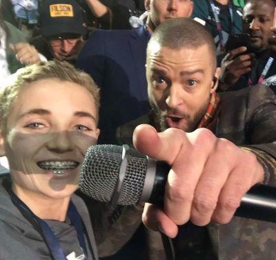 Super Bowl Selfie Kid Was The Best Meme Of The Night