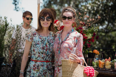 anne bezamat in Katia Francesconi of The Francesconi-Tisch Charitable Fund and Erica Pelosini host an Earth Day Picnic