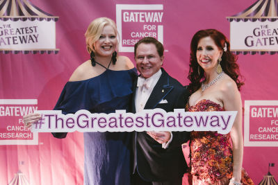 "melissa peterman in ""The Greatest Gateway"" Gateway For Cancer Research 2018 CURES Gala presented by Richard and Stacie Stephenson Part 2"