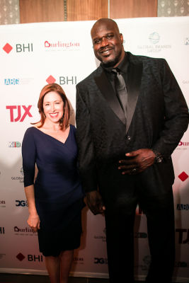 shaquille o-neal in A Glamorous Night Supporting Delivering Good